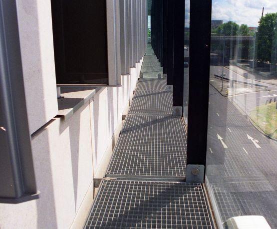 Type SP galvanised steel mesh gratings