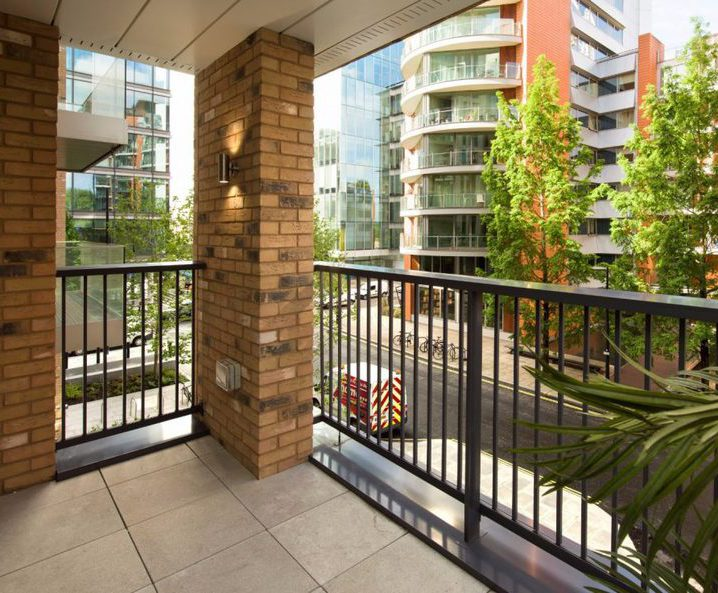 Balustrades maximise light at central London apartments
