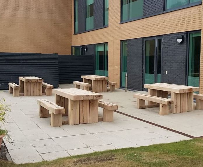 Otoño ligado Armstrong  Robust green oak picnic suites for Nike's UK head office | Branson ...