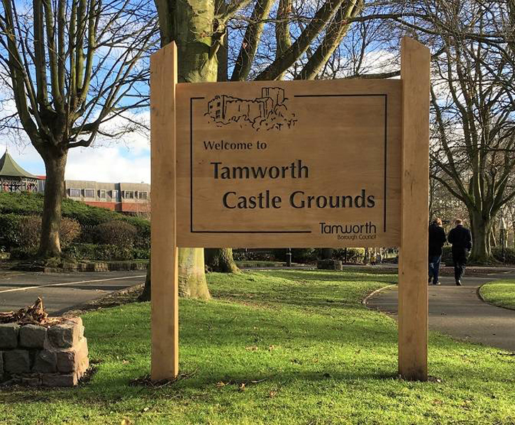 Hand-crafted oak signage - Tamworth Parks and Castle