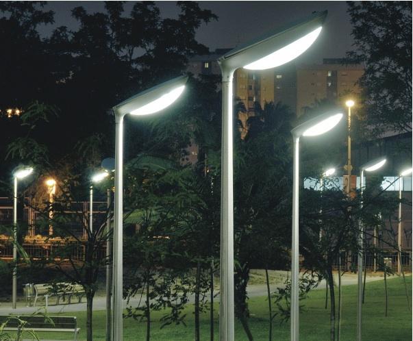 Diorama Street Lights Have A Classic Design