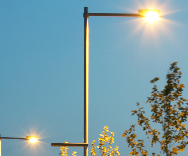 An Urban Street Lamp To Light Large Roads