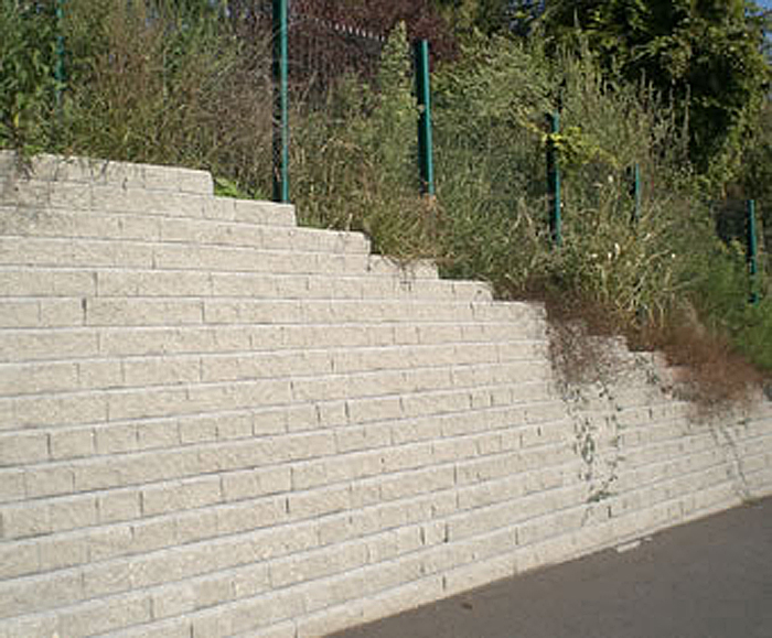 Concrete block retaining walls EXTERNAL WORKS