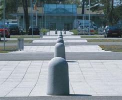 UrbaSTYLE Fino cast stone bollards