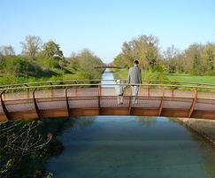 Streetlife's CorTen Single Bridge