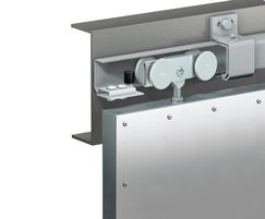 Series 70 straight sliding door gear