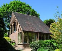 Round Wood of Mayfield: Oak Framed Garden Rooms & Offices