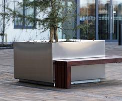 s57 tree planter with timber bench