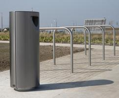s11.3 stainless steel litter bin, s36 cycle stand