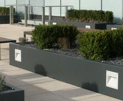 s21 tree planter with integrated lighting