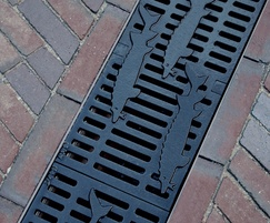 Freestyle ductile iron channel grating