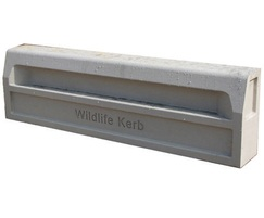 ACO Wildlife Kerb - with recess for amphibians
