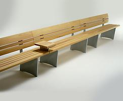 Linking Norfolk benches with optional table armrest