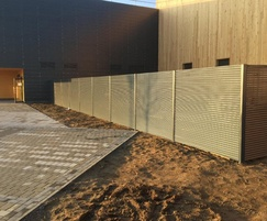 Screenogril™ 80/20 fencing system installed