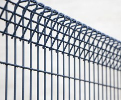 Rotop rolled mesh fencing system