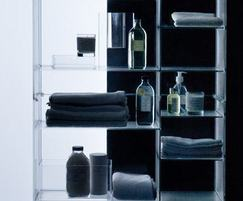 Free standing shelf unit