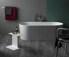 Val bathroom collection bathtub
