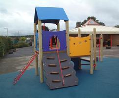 Muttley climbing play unit