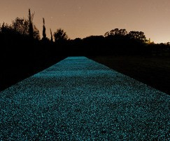 STARPATH light-responsive paving - green finish