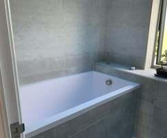 Calyx 1440 deep soaking tub