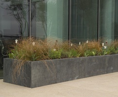 Zinc planters with long-lasting grey patina
