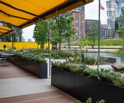 Polyester powder coated planters - RAL 9004