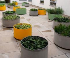 Boulevard Delta 45 Round 100 planters