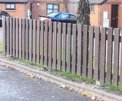 Picket fencing with straight edge top - brown