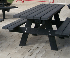 Oslo XL picnic table in black and beige - Eastbourne