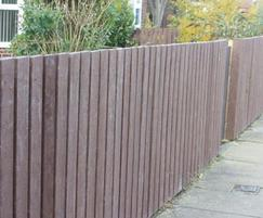 Close picket fencing