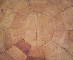 English oak flooring detail - The Shallot Onion shelter