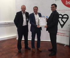 Q-railing: Q-railing first to earn new BSI Kitemark certificate