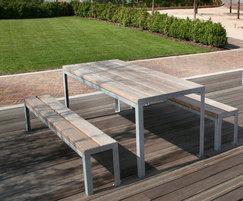 SPT318 picnic table, Hitachi, Trowbridge