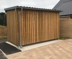 Sheldon timber-clad cycle shelter - SCS316