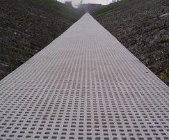Quartzgrip™ anti-slip fibreglass floor grating