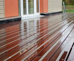 Balcony fitted Boardwalk Urban in a hardwood profile