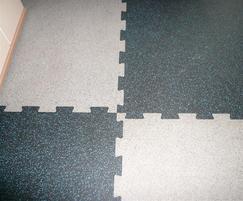 SPORTEC® Puzzlemat water repellent sports floor tiles