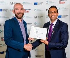 Asim Ansari  (R) becoming a patron of ExportExchange