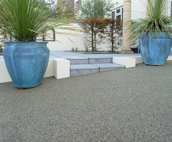 Resin bound paving court yard entrance to modern house