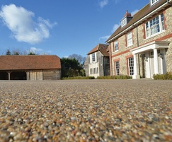 Resin bound driveway Sussex Standard Colour Flaxen Pea