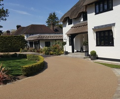 Resin bound driveway surface Kent in Bronze Trio