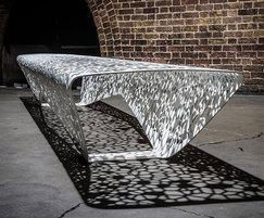OSSO free-draining street bench