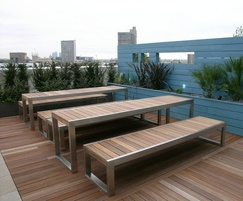 Skop external table in stainless steel and FSC hardwood
