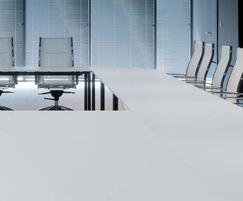 Table in Infiniti™ surface with white finish