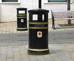 COV803 LR Covent Garden cast iron litter bin with crest