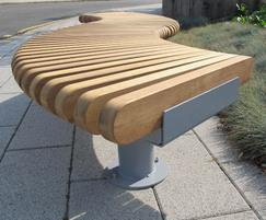 RailRoad Loop bench detail