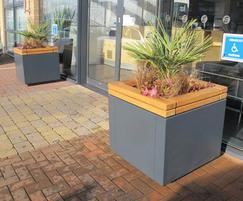 RailRoad square planter units