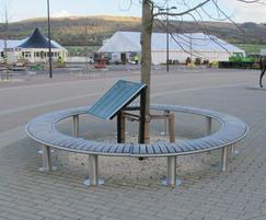 Zenith curved benches in closed circle form