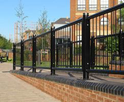 Linx 400 railing, full height with Kenton cap