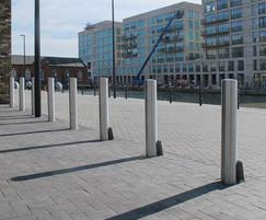 ZEN703 and ZEN703R Zenith stainless steel bollards